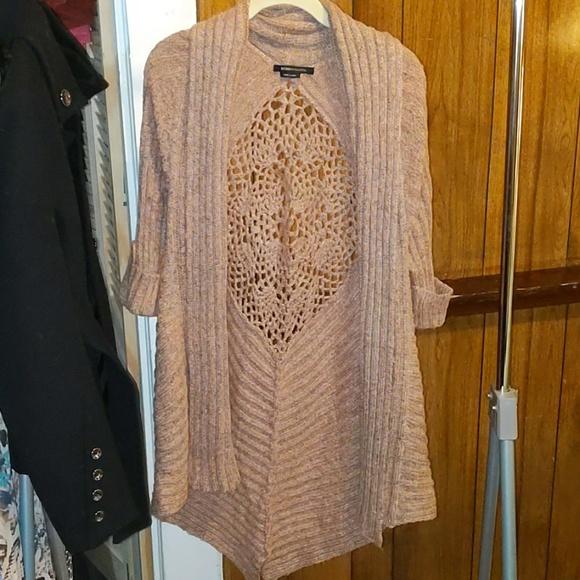 BCBG Sweaters - BCBG Maxazria pink 3/4 length sleeve cardigan